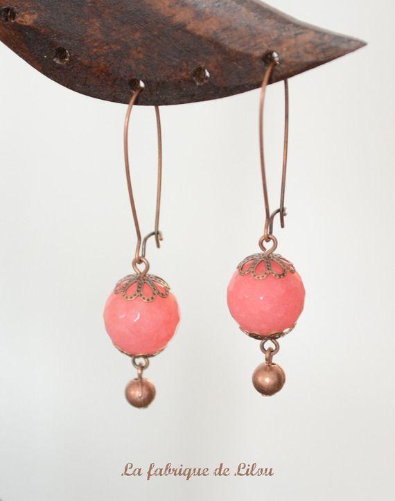 Boucles d'oreille perles facettées en verre rose saumon et perles cuivre