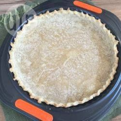 Dit niet te mislukken recept voor glutenvrij deeg is geschikt voor zowel hartige als zoete taarten. Bak de taartbodem en vul met je favoriete vulling, of gebruik het dees voor je favoriete recepten voor taarten en gebak.