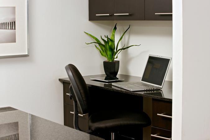 Yonge & College, Toronto 2 Bedroom Apartments - College Park Suites | Vertica Resident Properties