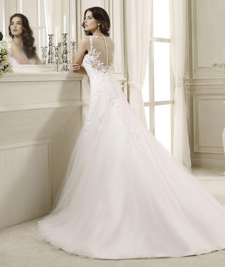 Nicole Spose veste la sposa di uno strascico raffinato www.kappadisposi.it