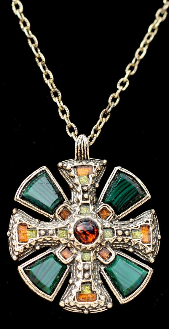 MIRACLE..........Vintage Celtic Agate Cross Necklace ...