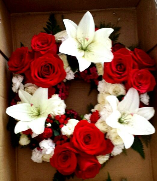 Anzac Day wreath using reds and whites