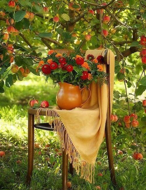 Apples & Pretty Bouquet of Flowers ...