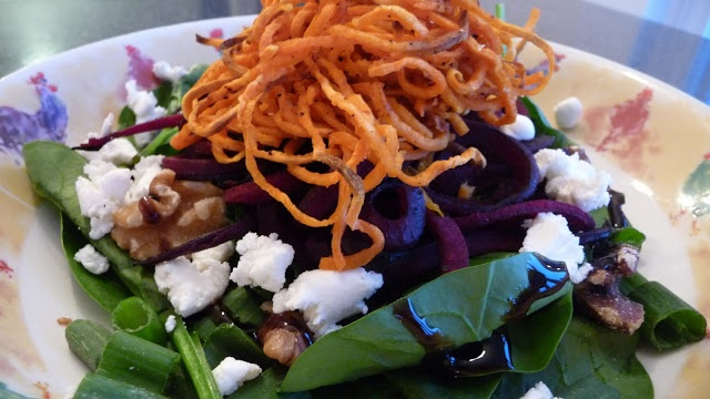 Beet salad with shoestring yams | eat it | Pinterest
