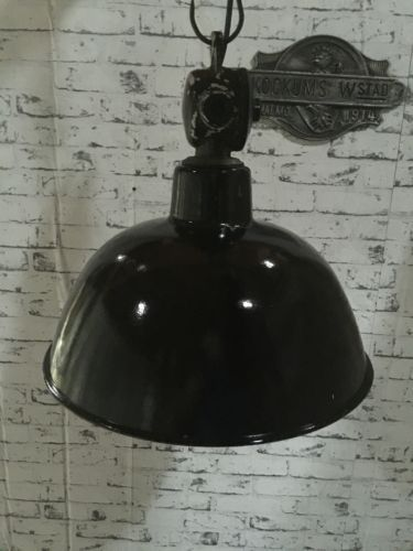 bauhaus industrie lampe - love its strong style and feel