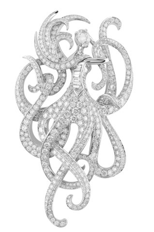 """Pin 'Round the Moon """"collection"""" The Extraordinary Voyages """"/ Van Cleef & Arpels."""