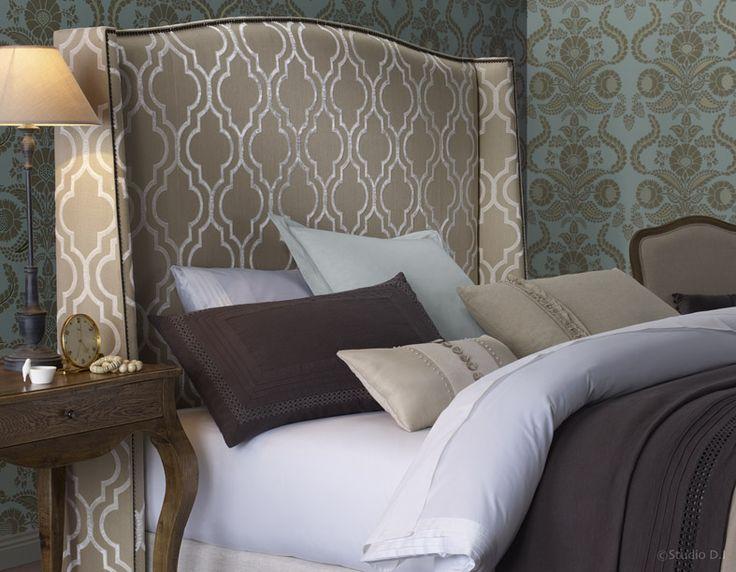 Hampton  Bedhead in  Velvet Gate White Linen
