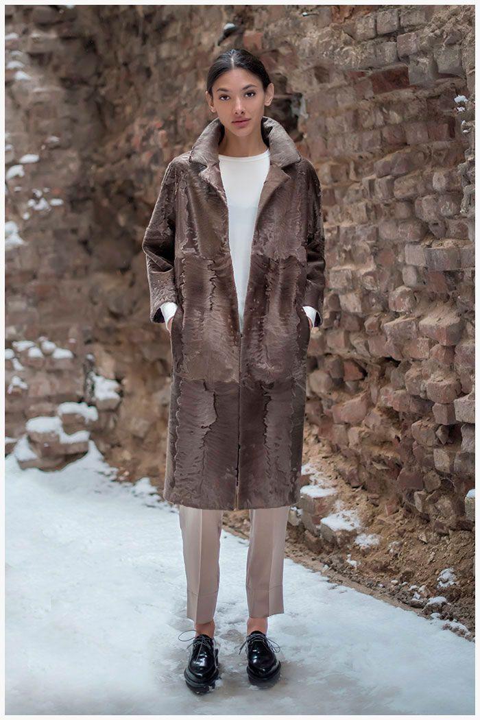 Коллекция МЕХА ЕКАТЕРИНА Пальто из каракульчи «Сур» Эксклюзивные модели шуб от российского производителя.