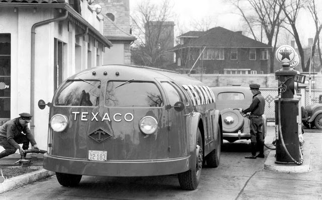 Texaco Doodlebug fuel truck. By Diamond T