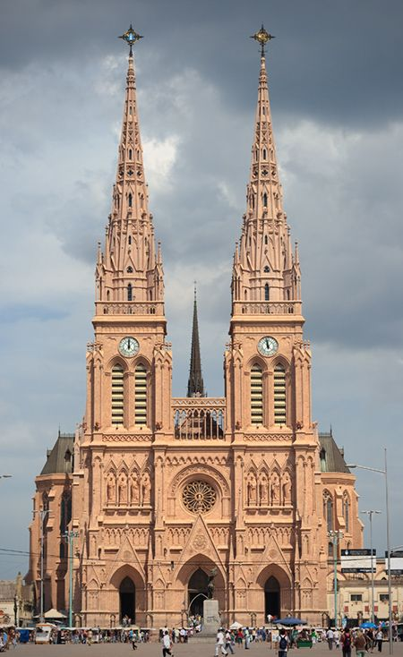Iglesia de Luján, Bs. As., ARGENTINA