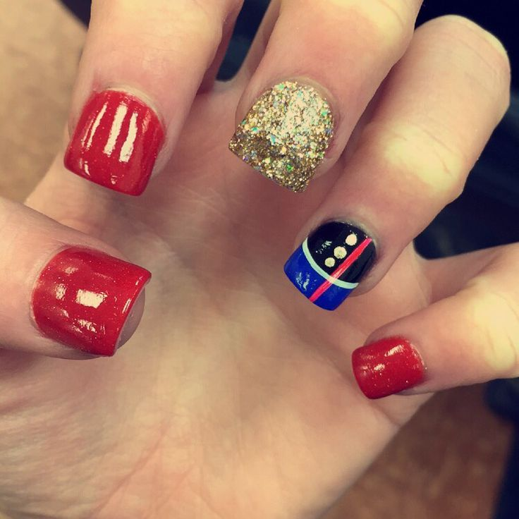 USMC nails--How I wore them at Parris Island for family day and grad ceremony. :)