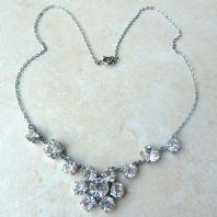 Vintage Style Rhinestone Flower Necklace.