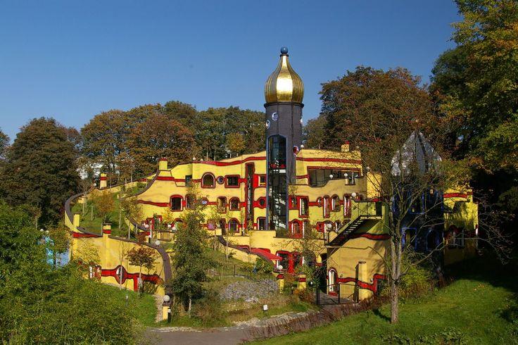 Les réalisations oniriques de Friedensreich Hundertwasser: Maison d'aide aux enfants Ronald Mc Donald à Essen>
