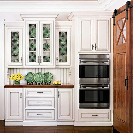 White Farmhouse Sliding Door Cabinet: 25+ Beautiful Country Kitchens To Copy ASAP