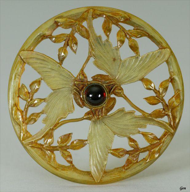 Art Nouveau horn brooch and pendant  France 1890-1900 circa
