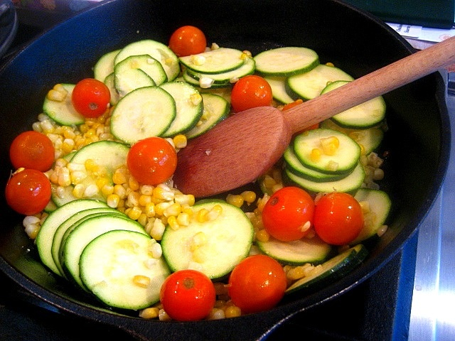 Corn, Zucchini and Tomato Saute | Foodloves | Pinterest