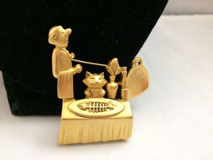 VTG. AJC MATTE GOLD TONE WAITER & ARTICULATED DINNER PLATE KITTY CAT BROOCH #AJC
