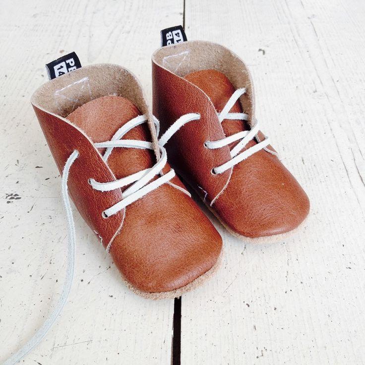 Lederen baby schoentjes CognacDeze handgemaakte, leren schoentjes zitten…