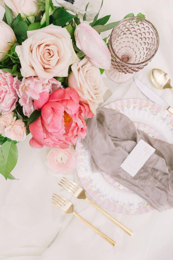 Graydon Hall Manor Wedding. Toronto Wedding Photographer | Cari Zhu Photography | Florals: Blush and Bloom