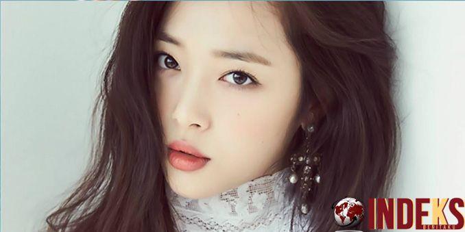 Sulli Jadi Model Sampul Majalah Playboy Korea Pertama