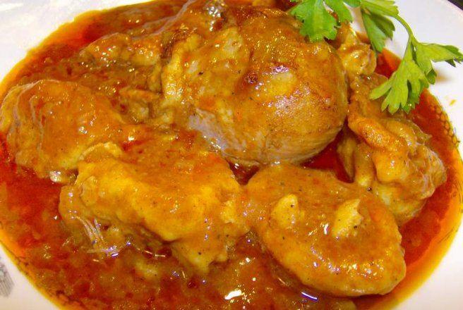 Retete Culinare - Papricas de pui cu galusti