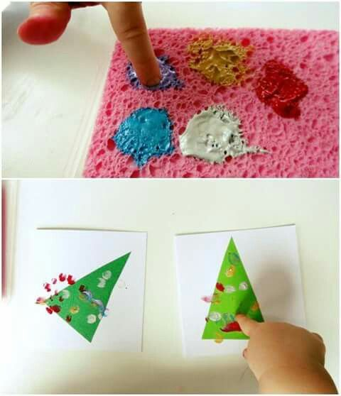 christmas craft hack: put paint on a sponge for little fingers to dip so there won't be globs of paint