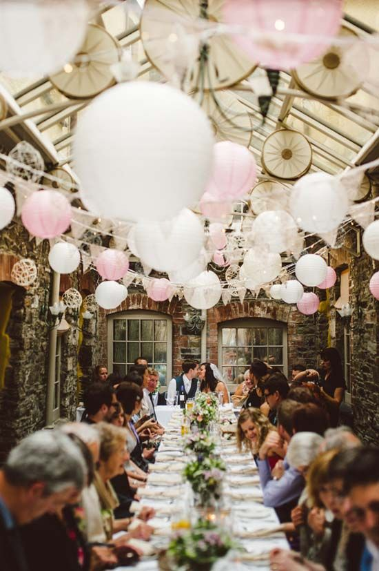 pink and white baloons