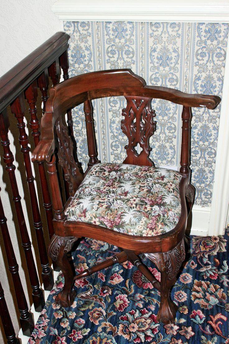 Egy hotel és viktoriánus bútorai