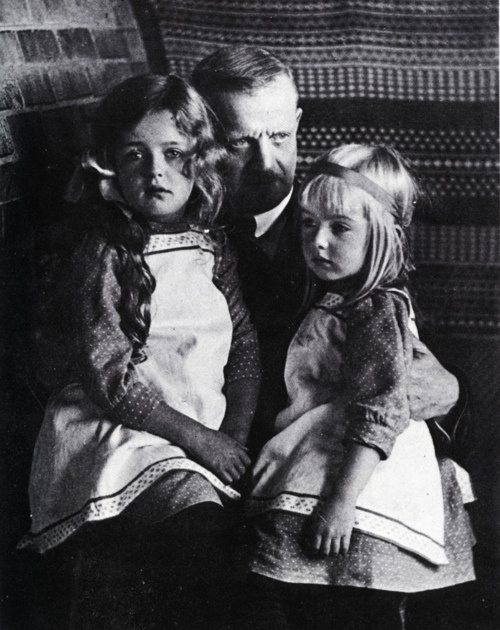 Jean Sibelius and his daughters, Heidi and Margaret.