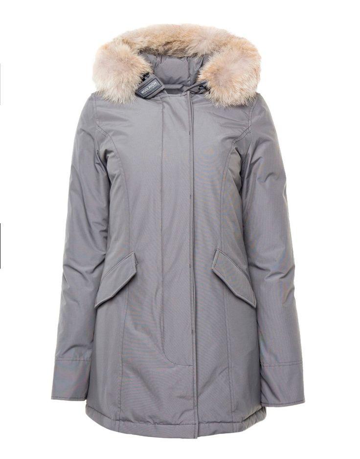 Woolrich WS Arctic Parka Silver Grey Online op maddoxjeans.nl voor slechts € 699,95. Vind 26 andere Woolrich producten op maddoxjeans.nl.