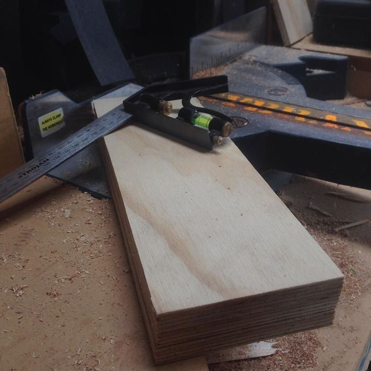 I cut some 12mm plywood #jaysybrandy #wood #work #woodwork #router #workshop #plywood #router #mitersaw #drill #sand #dowoodworking #woodworking de jaysybrandy