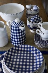Blue & White - TabletopAt Home, Tables Sets, Blue Check, Kitchens Ware, Kitchens Dining, White Dishes, Blue Gingham, Blue Whit, Gingham Style