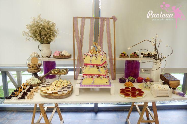 Mesa boda colores malva postre fiesta