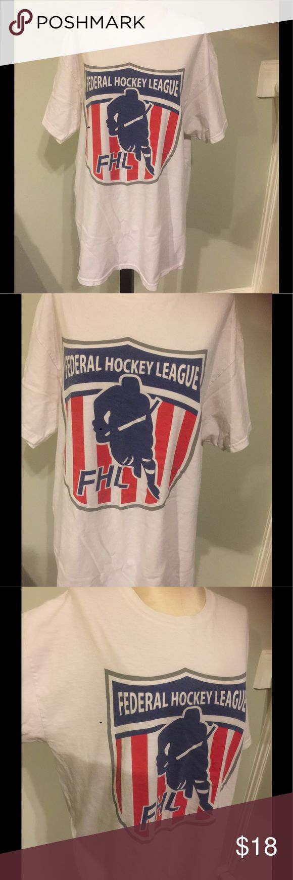 Vintage Federal Hockey League T-Shirt Nice pre owed vintage t-Shirt .Has been worn and washed a few times.Sz L Gildan Shirts Tees - Short Sleeve