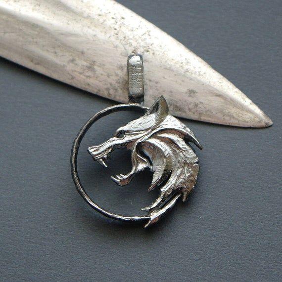 The warlock 3 wild hunt medallion collar necklace wolf Geralt of rivia ps4