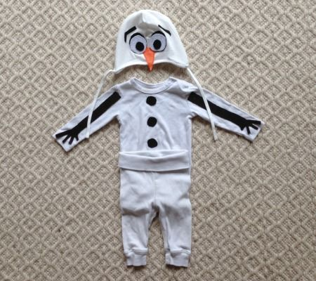 DIY No-Sew Olaf Costume @troyeisha: I know it's for an infant but it was so cute I couldn't resist!!! :-)