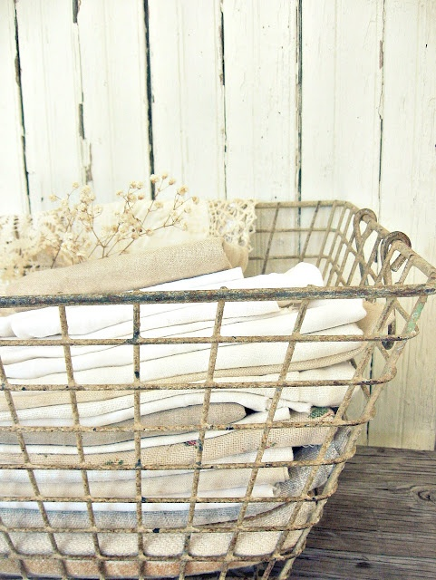 vintage linens: Baskets Longaberger, Wirebaskets, Baskets Boxes Buckets, Style, Baskets Buckets, Linens, Wire Baskets, Cream, Baskets New