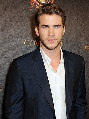 Gale Hawthorne GIFs From The Hunger Games | POPSUGAR Entertainment