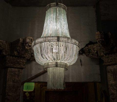 Люстра «Мэншип» в стиле арт-деко позволит вернуться в прошлое и насладиться атмосферой и беззаботностью зажигательных американских вечеринок 30х годов  Светильники и мебель арт-деко