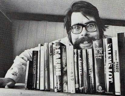 Stephen King - I love to see that he doesn't take himself seriously. He reminds me a bit of my late and great uncle Mike.