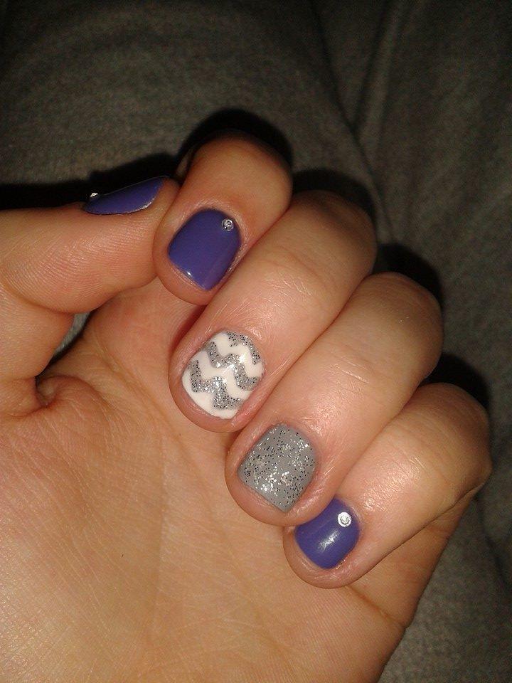 tricolore nails!