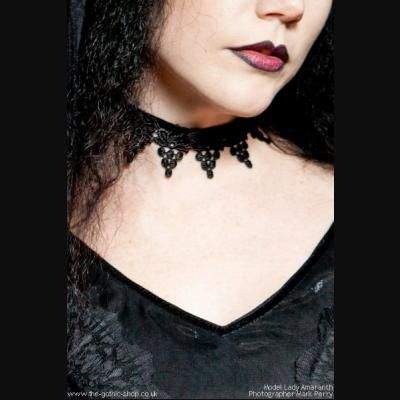 C212 - Lady Amaranth #fashion #style #gothic #gothgoth #headpiece #velvet #choker #gothicgirl #blackdress #dress #black #sinister #sinister_gothic #black #goth