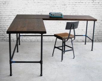 Escritorio de madera reciclada en L forma con por UrbanWoodGoods