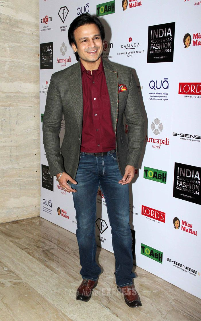 Vivek Oberoi was smart in a pair of jeans worn with a