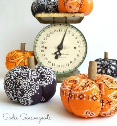 Gyönyörű őszi tökös dekorációk kendőkből