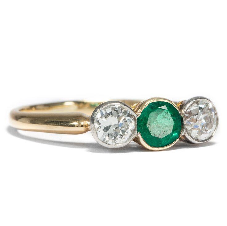 Beginnende Liebe - Viktorianischer Smaragd & Diamant Ring, Großbritannien um 1895 von Hofer Antikschmuck aus Berlin // #hoferantikschmuck #antik #schmuck #antique #jewellery #jewelry // www.hofer-antikschmuck.de