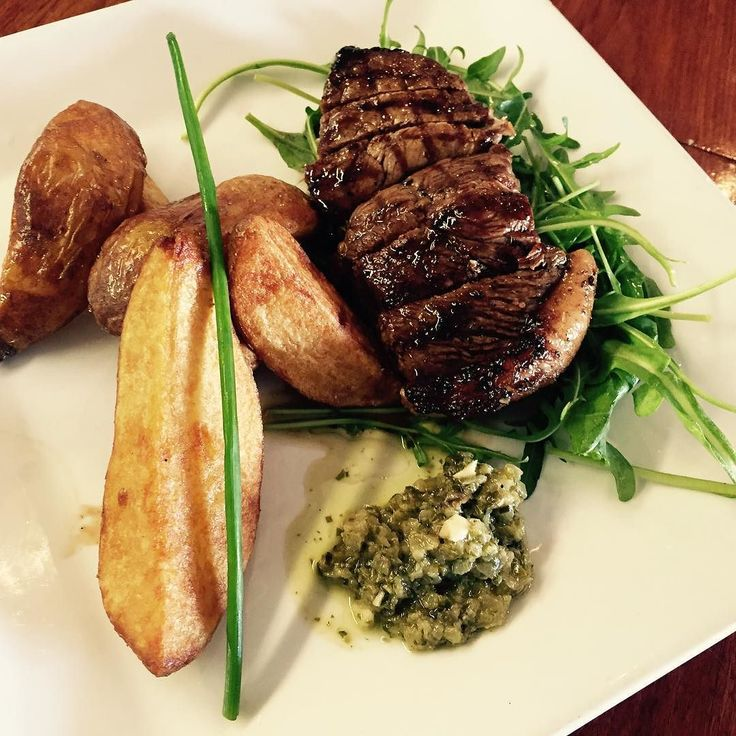 Have you tried our new Friday lunchtime favorite? Salsa verde rump steak. Delicious juicy rump with our own salsa verde and handcut chips.  #homemade #realfood #steakforlunch #rarenediumorwelldone #eateryhermanus #discoveroverberg