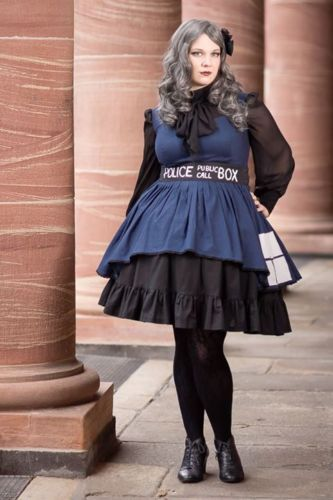 Tardis-Kleid-Gothic-Lolita-Kostuem-Doctor-Who-Cosplay-WGT-44-46