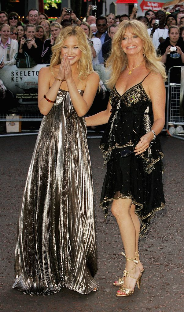 Kate Hudson and Goldie Hawn's Red Carpet Style Will Give You #MotherDaughterGoals