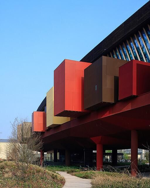 Stunning architecture at Musée du quai Branly @musée du quai Branly in #Paris by @Pedro Kok http://buff.ly/1lEd76D  #MuseumWeek pic.twitter.com/GUIIIEnPF1